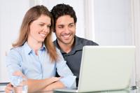 Paar sucht Girokonto mit Guthabenzinsen