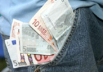 Taschengeld in der Hosentasche